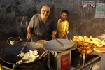Pakistan,+preparing+food+on+street+for+the+end+of+Ramadan
